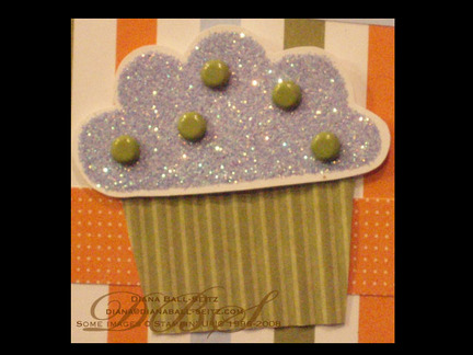 Big_bold_birthday_cupcake_detail_di